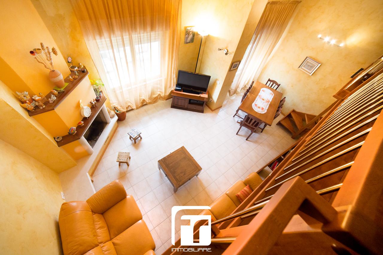 Quadrilocale via giuseppe ungaretti fr immobiliare for Bacheca affitti